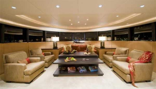 Sterling Yachts Triumphant Lady Forward Lounge