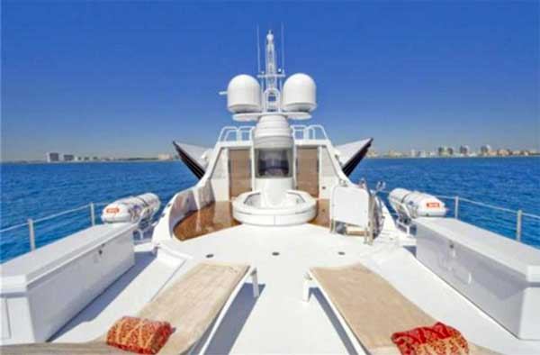 Sterling Yachts Triumphant Lady Flybridge