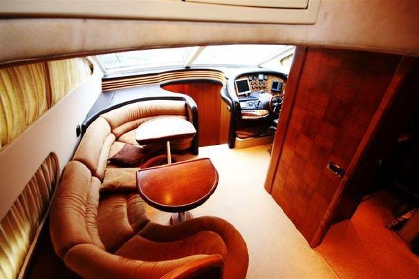 Motor Yacht for Sale Dinette