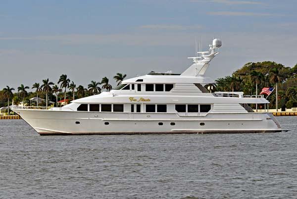 116 hatteras motor yacht for sale far niente large for Large motor yachts for sale