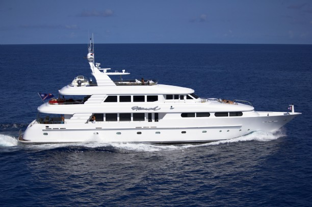 125 cheoy lee motor yacht for sale namoh large yachts for Large motor yachts for sale