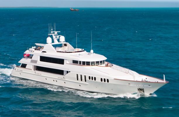 150 trinity motor yacht for sale carpe diem ii large for Large motor yachts for sale