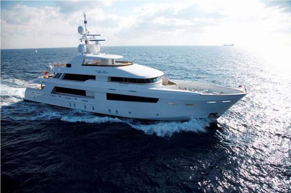 151 northern marine motor yacht bella bri large yachts for Large motor yachts for sale