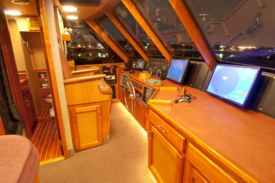 Motor Yacht for Sale Pilothouse