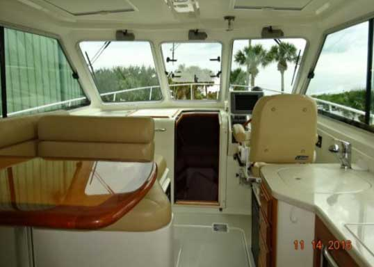 Motor Yacht for Sale Wheelhouse