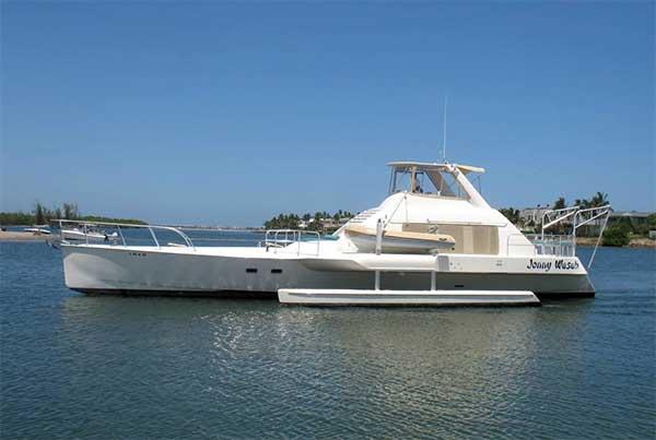 Stuart catamaran 64 large motor yacht for sale for Large motor yachts for sale